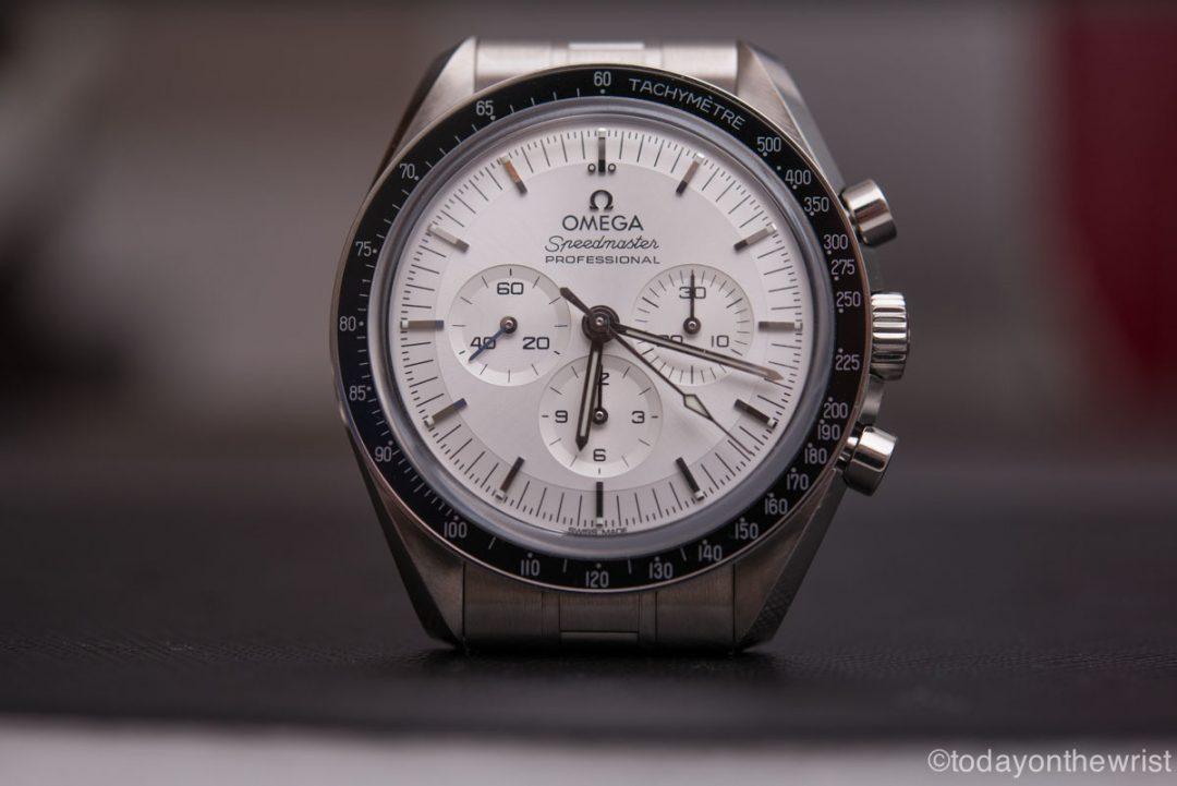 Omega Speedmaster Moonwatch Professional из золота Canopus